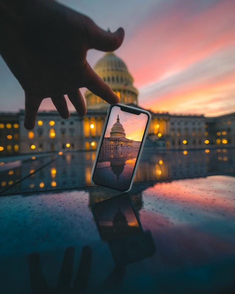Us Capitol Shot Thru Iphone Sunset