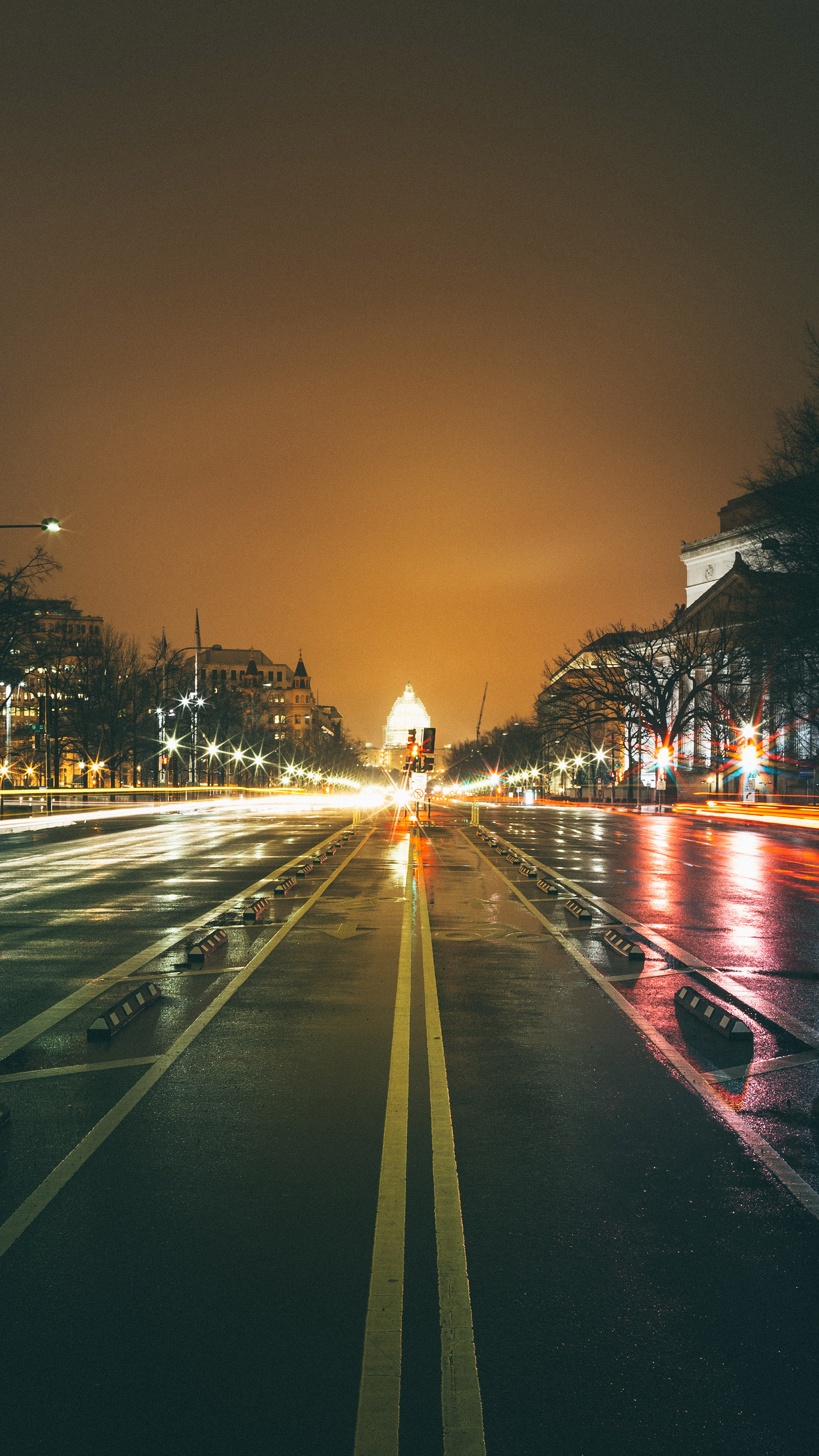 Dc Rainy Streets Iphone Wallpaper