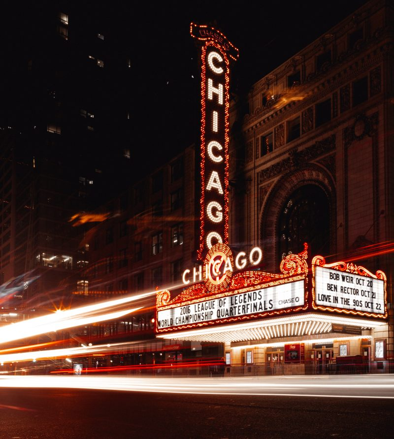 chicago-theatre-sign